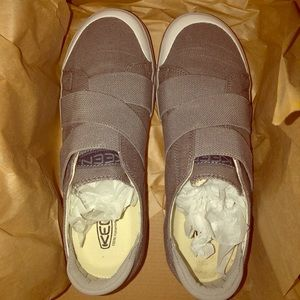 Brand new Keen canvas sneakers size 9.5